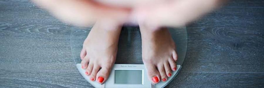 Ожирение повышает риск спонтанных ранних родов при первой беременности